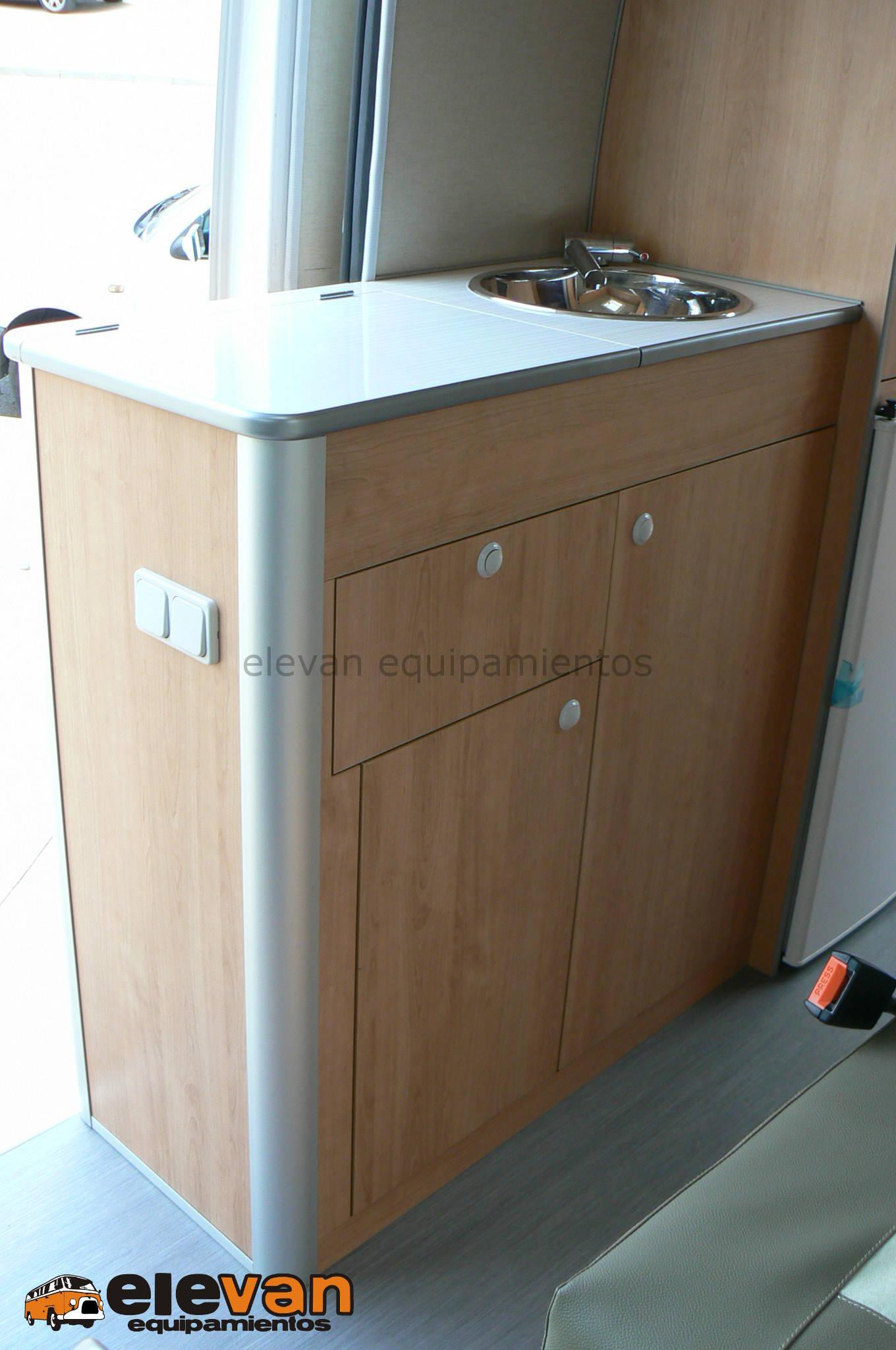 Mobiliario mueble cocina elevan equipamientos for Mobiliario cocina