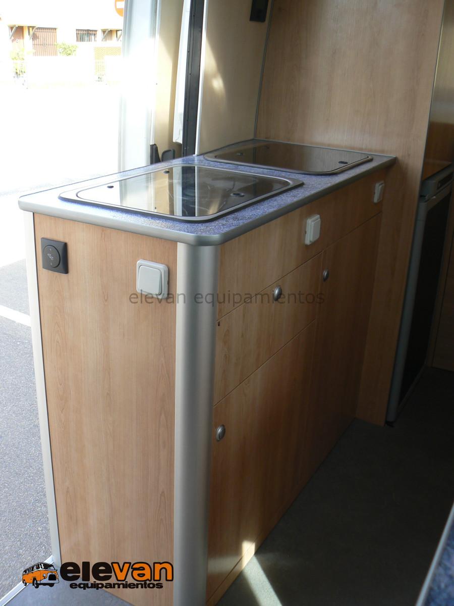 Mobiliario mueble cocina elevan equipamientos for Mueble cocina 7 segundos